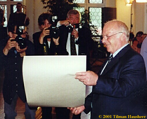Norbert Blüm receiving the Leipzig Proclamation.  Photo © 2001 Tilman Hausherr